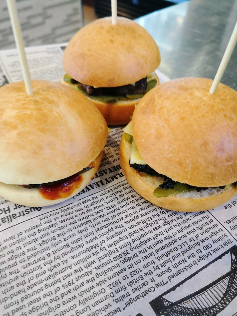 Beef sliders with bun on stick